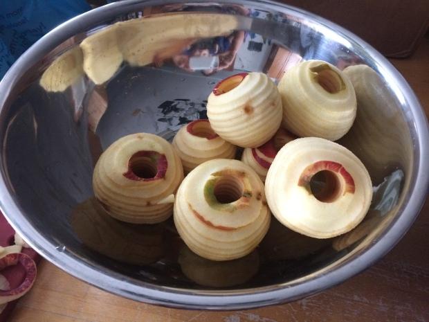 cored-peeled-sliced-apples